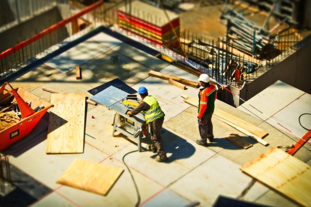 L&L Contractors building and construction services